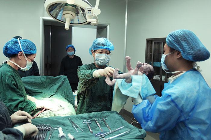 妇儿医院成功抢救一例剖宫产后肺栓塞患者