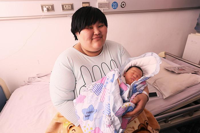 """160公斤""""胖妈妈""""生娃""""步步惊心"""""""
