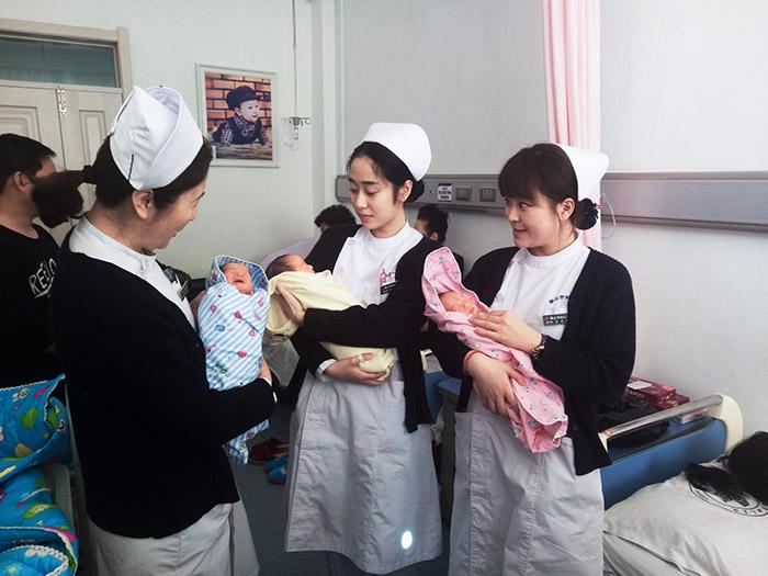 市妇儿医院喜迎2017年第二对三胞胎